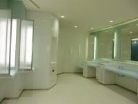 ホテルの化粧室を思わせる洗面