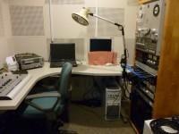 録音室 隣に対面朗読の部屋