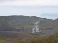有珠山火口では今も噴煙