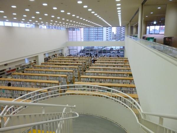 桑名市立中央図書館3
